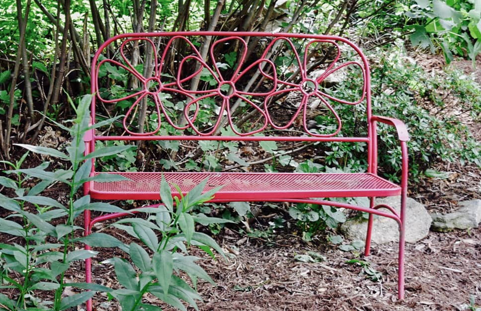 blog-bench-at-My-Roundette-Garden-the-cove